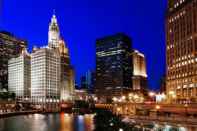City Scenes Royalty-Free and Rights-Managed Images - The Chicago River by Rick Berk