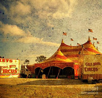The Circus Is In Town Art Print by Susanne Van Hulst