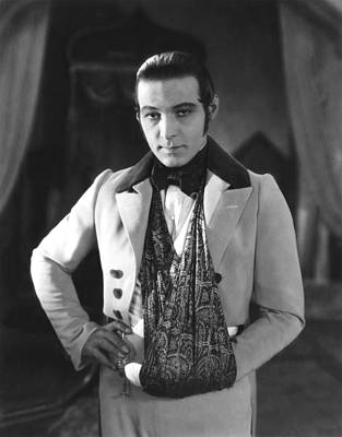 The Eagle, Rudolph Valentino, On-set Art Print by Everett