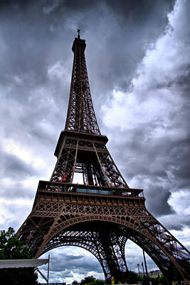 Art Print featuring the photograph The Eiffel Tower by Edward Myers