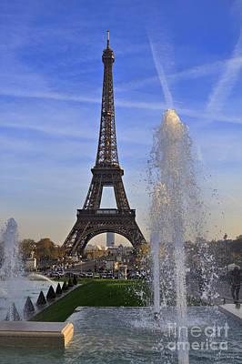 La Tour Eiffel Photograph - The Eiffel Tower From The Jardins De Trocadero by Louise Heusinkveld