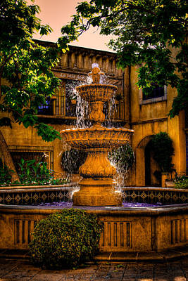 Photograph - The Fountain At Patio Del Norte Tlaquepaque In Sedona by David Patterson