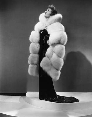 Claudette Colbert Photograph - The Gilded Lily, Claudette Colbert by Everett
