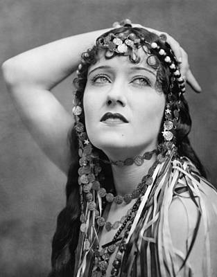 Publicity Shot Photograph - The Great Moment, Gloria Swanson, 1921 by Everett