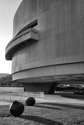 The Hirshhorn Museum I Art Print by Steven Ainsworth