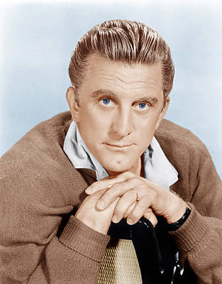 Cleft Chin Photograph - The Hook, Kirk Douglas, 1963 by Everett