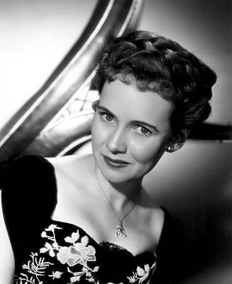 1947 Movies Photograph - The Imperfect Lady, Teresa Wright, 1947 by Everett