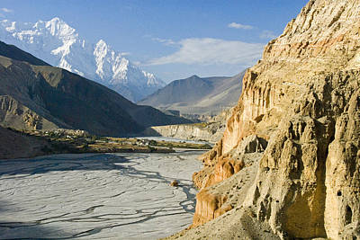 Kali Photograph - The Kali Gandaki Gorge In Mustang by Stephen Sharnoff