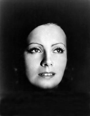 Thin Eyebrows Photograph - The Kiss, Greta Garbo, Portrait by Everett