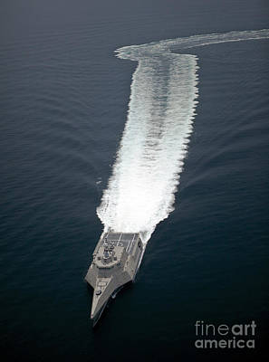 Photograph - The Littoral Combat Ship Independence by Stocktrek Images