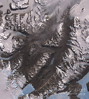 Victoria Land Photograph - The Mcmurdo Dry Valleys West Of Mcmurdo by Stocktrek Images