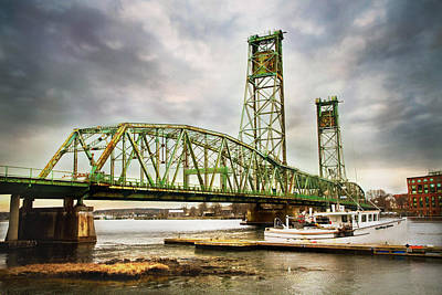 Photograph - The Memorial Bridge by Robert Clifford