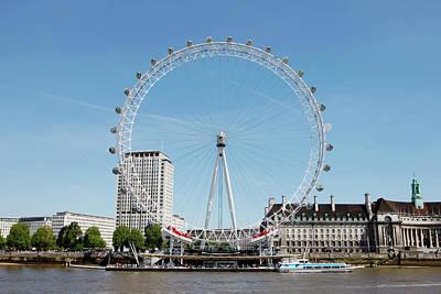 The Millennium Wheel And Thames Art Print by Richard Newstead