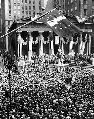 War Bonds Photograph - The New York Stock Exchange Celebrates by Everett