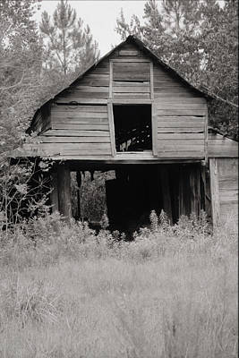 Photograph - The Old Barn I by Emery Graham