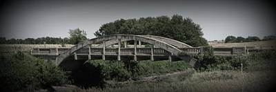 Photograph - The Old Bridge With Vignette by David Dunham