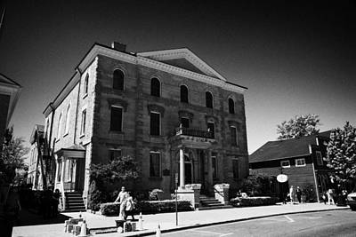 The Old Courthouse In Queen Street Niagara-on-the-lake Ontario Canada Art Print by Joe Fox