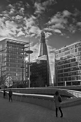 Renzo Piano Photograph - The Shard From The Scoop by Gary Eason