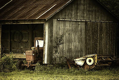 Photograph - The Shed by Richard Lee