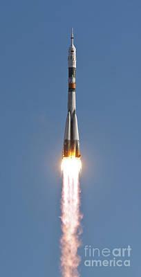 The Soyuz Tma-18 Rocket Launches Art Print