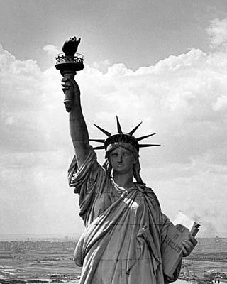The Statue Of Liberty Art Print by Underwood Archives