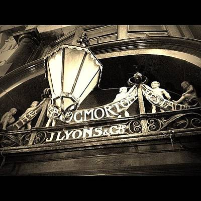 Victorian Wall Art - Photograph - The Throgmorton Restaurant J Lyons Co by Anne Marie