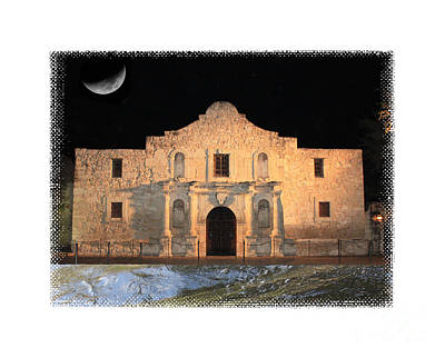 Photograph - The Tide Is Rising At The Alamo by Carol Groenen