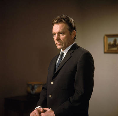 1963 Movies Photograph - The V.i.p.s, Richard Burton, 1963 by Everett