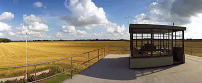 Thorpe Abbotts Main Runway 100bg Original by Jan W Faul