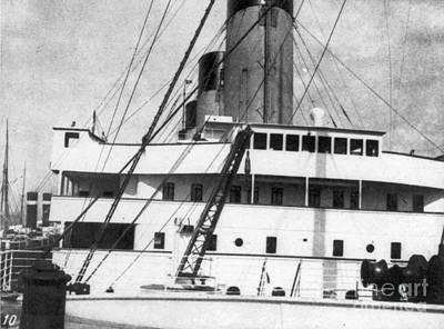 Photograph - Titanic: The Bridge, 1912 by Granger