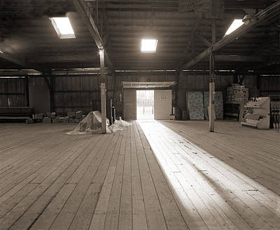 Photograph - Tobacco Warehouse by Jan W Faul