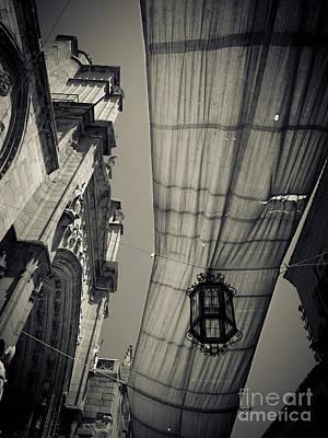 Photograph - Toledo Lantern by RicharD Murphy