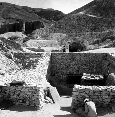 King Tut Photograph - Tomb Of King Tutankhamen, Valey by Everett