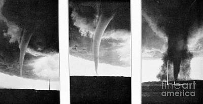 Tornadoes, 1930 Art Print by Science Source