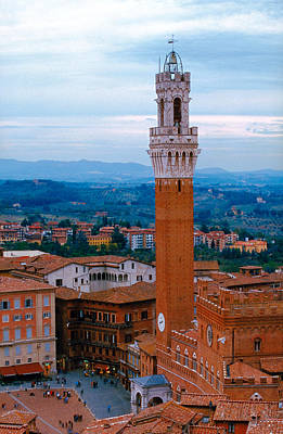 Photograph - Torre Del Mangia by John Galbo