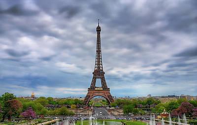 Paris Photograph - Tour Eiffel - Eiffel Tower by Photo by Jim Boud