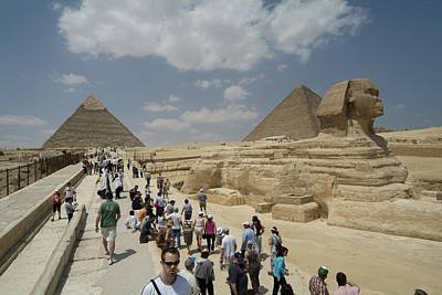 Tourists View The Great Sphinx Art Print by Richard Nowitz