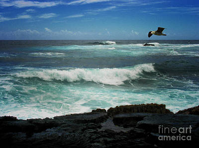 Photograph - Tourqouise Surf by Tom Griffithe