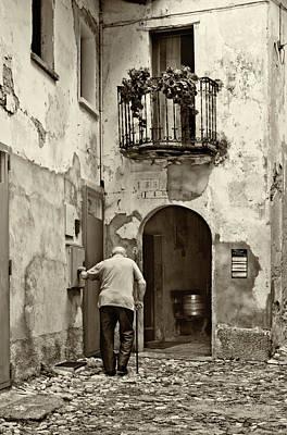 Photograph - Toward Home by Roberto Pagani