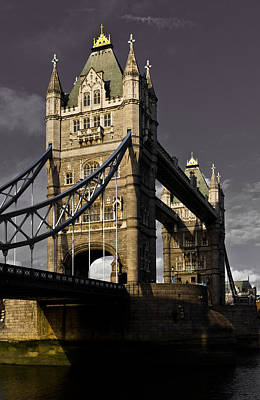 Tower Bridge Art Print by David Pyatt