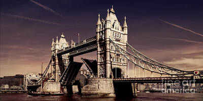 Photograph - Tower Bridge Panorama London by Frank Waechter