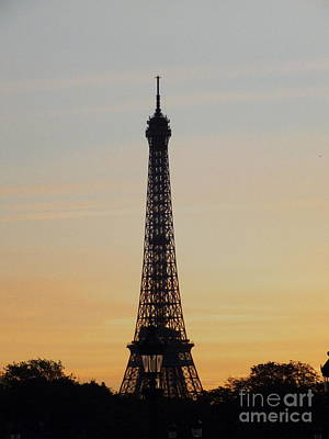 Photograph - Tower Of Eiffel by Karen Lewis