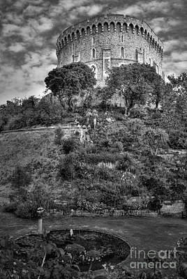 Photograph - Tower Of Windsor Castle by Yhun Suarez