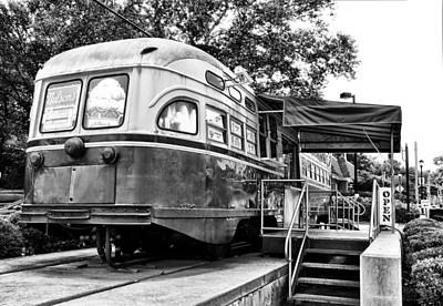 Germantown Photograph - Trolley Car Diner - Philadelphia by Bill Cannon