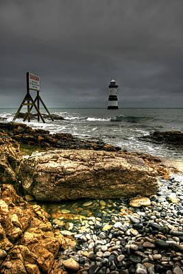 Puffin Digital Art - Trwyn Du Lighthouse by Adrian Evans