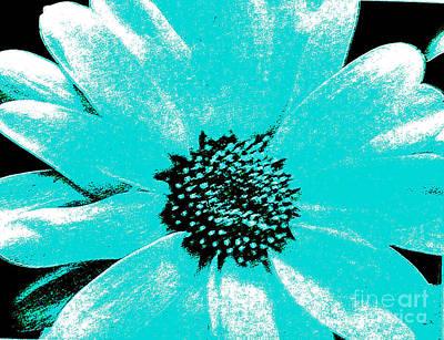 Wrap Digital Art - Turquoise Daisy by Marsha Heiken