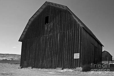 Photograph - Twin Barns by Larry Keahey