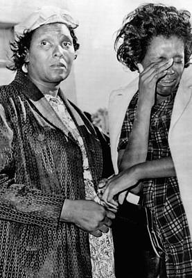 Two African American Women Stand Art Print by Everett