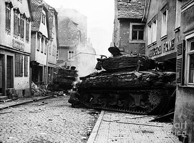 Photograph - Two Wwii Tanks by Photo Researchers