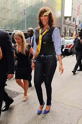 Out And About Photograph - Tyra Banks, Enters The Good Morning by Everett